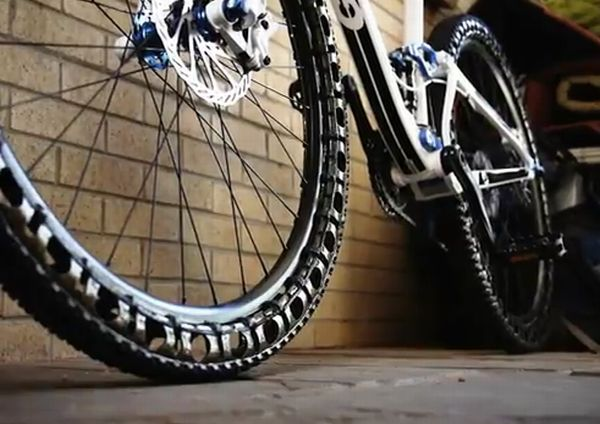 L'Energy Return Wheel, un pneu anti-crevaison pour VTT.